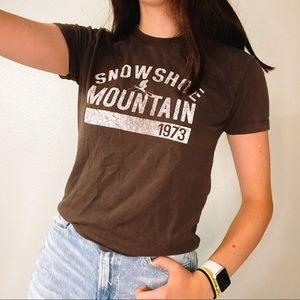 brown graphic tee